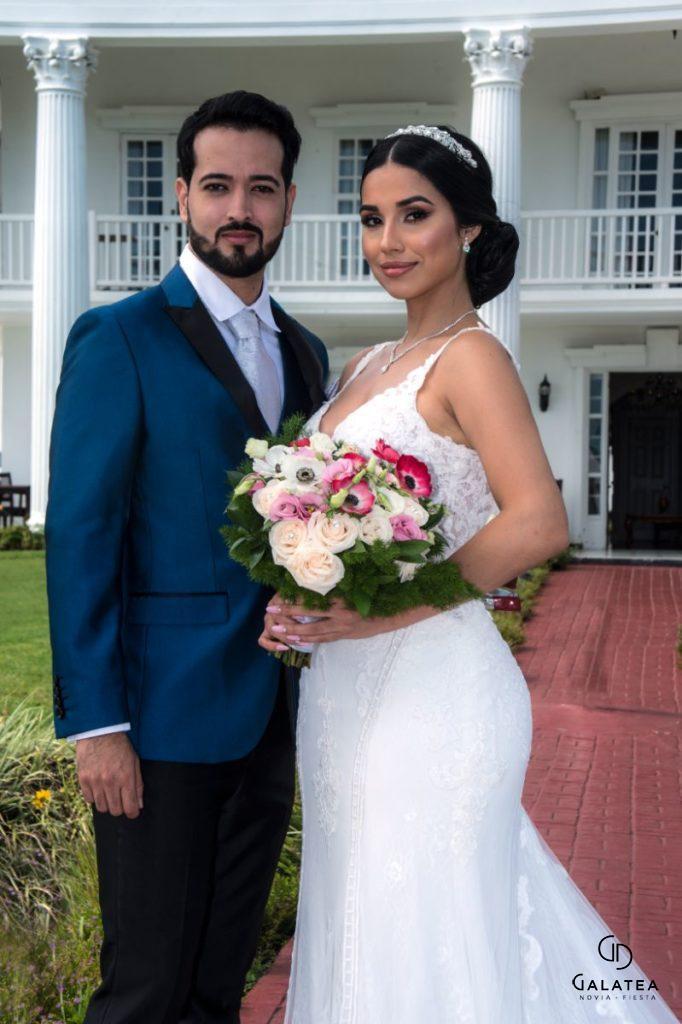 Alquiler de trajes para el novio esmokin color azul