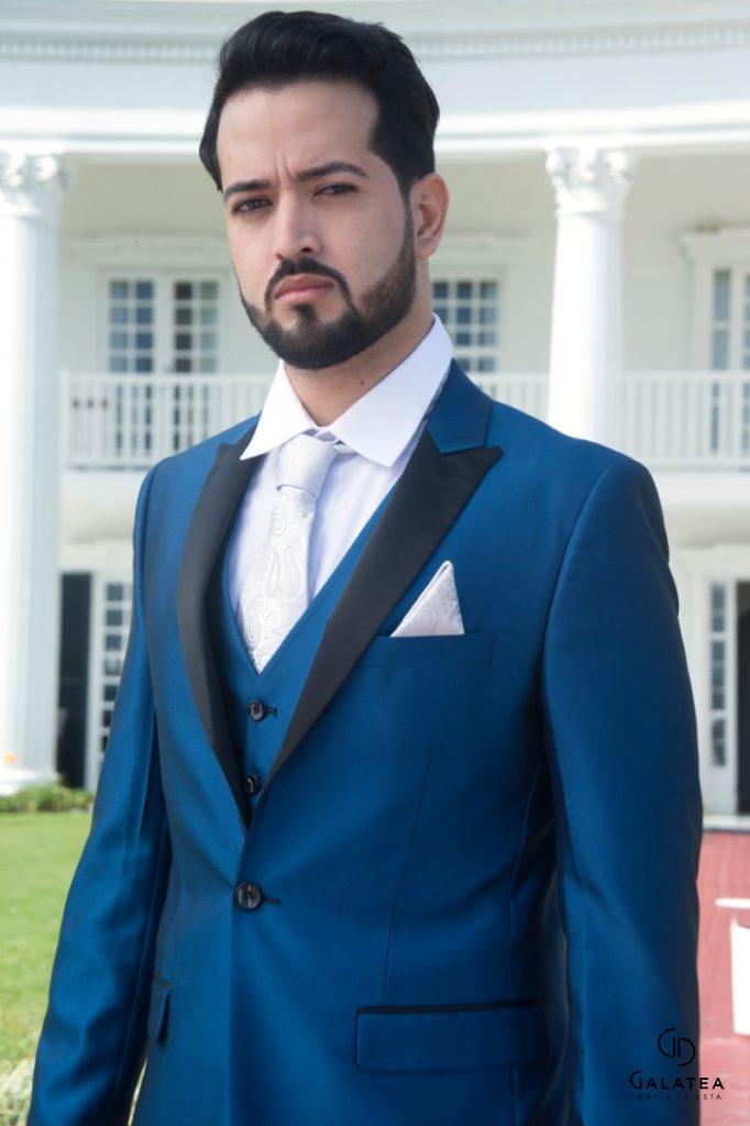 Alquiler de trajes para el novio esmokin