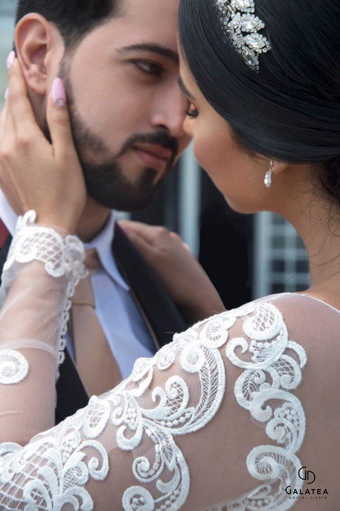 Novio y novia en costa rica
